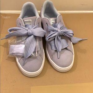 Lavender suede Puma Sneakers